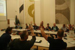 Een stemming tijdens een vergadering op de Avond voor de sport Gemeente Hellendoorn