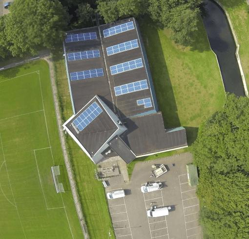 zonnepanelen dak SVE accommodatie