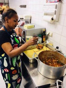 Lychia in de keuken bij SDZ