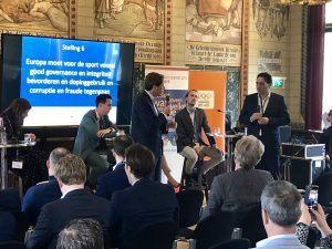 Paul Tang (PvdA) in debat met Arjen Droog (CU)